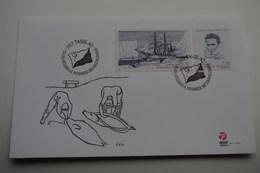 2-283  Ethnographie Phoque Seal Pourquoi Pas ? Charcot PEV Paul Emile Victor Tasillaq Emission Commune France Greenland - Explorateurs & Célébrités Polaires
