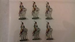 Soldats Plat D'étain Peints. Lot De 6 Figurines Cavaliers Divers (Ln°8) - Jouets Anciens