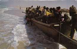 NOUAKCHOTT  La Plage Des Pecheurs Barque RV - Mauritanie