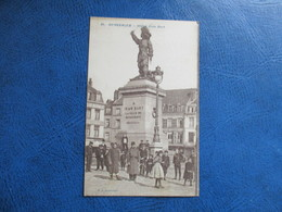 CPA 59 DUNKERQUE STATUE JEAN BART ANIMEE MILITAIRES ENFANTS - Dunkerque