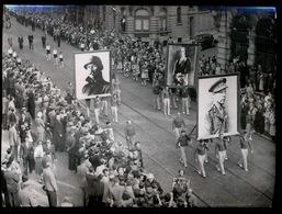 HULDE AAN KONING LEOPOLD III    BRUSSEL ???   1974  FOTO 18 X 13 CM - Bruxelles-ville