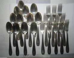 Couvert 12 Fourchettes + 12 Cuillères Poinçon GC Pommeau épée + Métal Blanc 60 Poids 24 Couverts = 1469 Grs - Argenterie