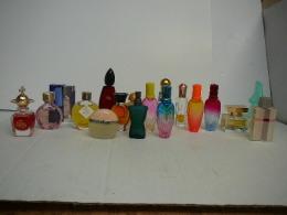 ROCHAS ,PICASSO ,ESCADA ,GAULTIER ..LOT 18 MINIS + 2 EN KDO  LIRE ET VOIR!! - Modern Miniatures (from 1961)
