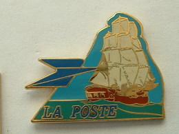 Pin's LA POSTE - VOILIER 3 MATS - EMAIL - Mail Services