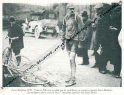 CYCLISME : PHOTO (1920), PARIS-ROUBAIX, FRANCIS PELISSIER ACCABLE PAR LA MALCHANCE, COUPURE LIVRE - Cyclisme
