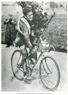 CYCLISME : PHOTO (1919), PARIS-ROUBAIX, LE BELGE PHILIPPE QUI TERMINERA DEUXIEME, COUPURE LIVRE - Cyclisme