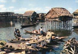 République Du Dahomey. Environs De Cotonou. Village Lacustre. - Benin