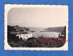 Photo Ancienne Snapshot - BRETAGNE - Port à Situer - Phare - Vue Générale- Belle Isle En Mer ? Quiberon ? Prés Lorient ? - Boten