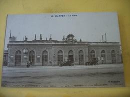 L11 4937 CPA - 78 MANTES. LA GARE - ANIMATION. AUTOS - Gares - Sans Trains