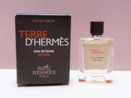 NEW 2018!!!! MINIATURE Eau De Parfum TERRE D'HERMES Eau Intense Vetiver  5 Ml - Miniatures Hommes (avec Boite)