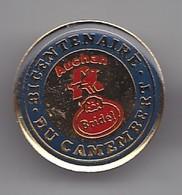 Pin's Produits Auchan Bicentenaire Du Camembert  Fromage Bridel Réf 4836 - Food