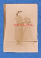 Photo Ancienne - Beau Portrait D'une Femme & Un Appareil Photographique - Femme Photographe ? - Woman Girl Mode Métier - Photos