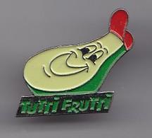 Pin's Tutri Frutri Avocat Avec Une Casquette  Réf 4878 - Badges