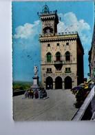 U4166 Cartolina 1962 SAN MARINO, PALAZZO DEL GOVERNO + Donne In Conversazione _ Ed Antica Premiata Ditta 69 - Saint-Marin