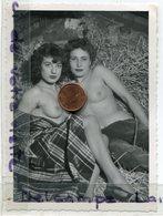 Photo érotique - Original - 2 Coquines Dans La Grange, Pins Ups, Dim : 11.5 X 8.7 Cm, TTBE,  Scans. - Pin-up