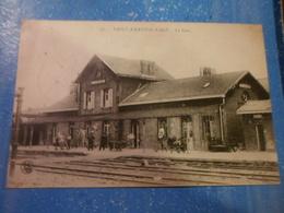 CPA ANIMEE - SAINT AMAND LES EAUX - LA GARE - Gares - Sans Trains