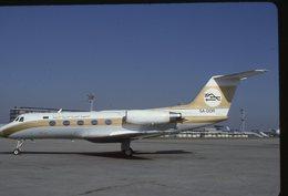 SLIDE / AVION / AIRCRAFT   KODAK  ORIGINAL     LYBIAN ARAB AIRLINES  GULF 2 5A-DDR - Diapositives