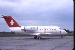 SLIDE / AVION / AIRCRAFT   KODAK  ORIGINAL    SWISS AIR AMBULANCE  CHALLENGER  HB-VFW - Diapositives