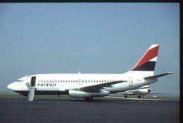 SLIDE / AVION / AIRCRAFT   KODAK  ORIGINAL  EURALAIR  B 737  F GCJL - Diapositives