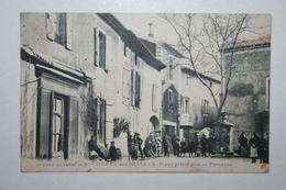 30 : Saint Etenne Des Sorts  - Place Principale Et Fontaine - France