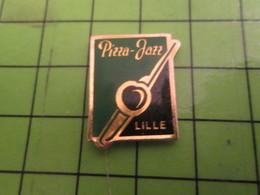216c Pins Pin's / Rare & De Belle Qualité  THEME : ALIMENTATION / RESTAURANT PIZZA JAZZ LILLE (Coucou Gégé) TROMBONE - Food