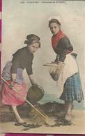 D29 -  CARANTEC - Pecheuses De Crevettes  - (Colorisée) - PRECURSEUR - Carantec