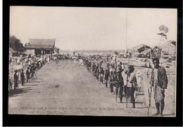 CAMBODIA  Cambodge Transport Dans Le Palais Royal De L'urne Du Corps De La Reine Mere Ca 1910 OLD POSTCARD 2 Scans - Cambodia