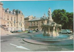 Evreux: MERCEDES 190 W201, PEUGEOT 104, RENAULT 4 - Place De L'Hotel De Ville Et Le Théatre - Toerisme