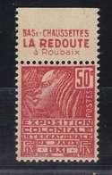 PUBLICITE: FEMME DE FACHI 50C ROUGE LA REDOUTE-bas Et Chaussettes H  ACCP 697** - Publicités