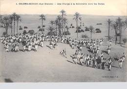 Algérie -COLOMB- BECHAR (Sud Oranais) Une Charge à La Baïonnette Dans Les Dunes (Militaria) (Idéale PS 4)* PRIX FIXE - Bechar (Colomb Béchar)