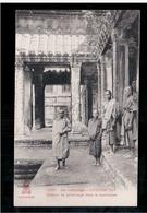 CAMBODIA  Ex- Cambodge ANGKOR- VAT Bonzes En Pelerinage Dans Le Sanctuaire  Ca 1910 OLD POSTCARD 2 Scans - Cambodia