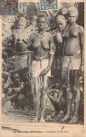Océanie Vanuatu - Nouvelles-Hébrides - Indigènes De L'Ile Tana (femmes Aux Seins Nus) - Vanuatu