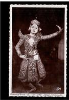 CAMBODIA  Cambodge ANGKOR- VAT Premiere Danseuse Ca 1930 OLD PHOTO POSTCARD 2 Scans - Cambodia
