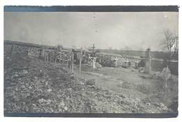 Photo Guerre 1914/1915 - Cimetière Militaire ( écrit Au Verso : Ambulance 7 XV ) - Guerre, Militaire