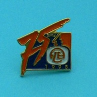1 PIN'S //  ** 75 ANS / AMICALE FLE / 1998  ** - Associations