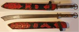 SABRE DAI-DAO, à Une Main, Ancien,  Très Beau Décoré, Avec Fourreau. - Knives/Swords
