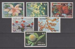Bangladesh 1978 Fleurs Série 110-115 6 Val ** MNH - Bangladesh