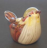 Petit Oiseau En Pâte De Verre - Small Bird In Molten Glass  -  Vogel In Glaspaste  /  L 7 Cm H 4.5 Cm L 3.6 Cm - Glas & Kristal