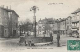 15 - MAURS - Place Grande Fontaine - Café Licardies - Magasin Chanteranne Parapluies Et Ombrelles - France