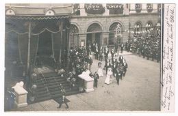 CPA Photo Dos Non Divisé : NAMUR Festivités Avec Albert 1er Et Elisabeth - Place D'armes ? - Namur