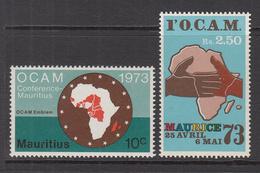 1973 Mauritius Conference OCAM Emblem, Map Of Africa, Handshake Set Of 2 MNH - Mauritius (1968-...)