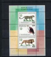 """Bloc Neuf** 2000 """" Animaux Intégralement Protégés """" (Panthère - Aigle Pêcheur - Lion) - Gabon"""