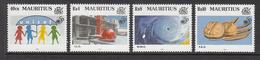 1995 Mauritius 50th Anniv UN Bread / Garin, Silouhettes Of Children Under UNICEF Umbrella Satellite View Of Hurricane  S - Mauritius (1968-...)