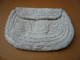 Petite Pochette De Soirée En Perles Avec Fermoir Par Pression Et Passant - Style ART DECO - - Purses & Bags