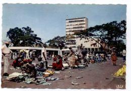 B9680 COTE D'IVOIRE / IVORY COAST - ABIDJAN - PLACE DU MARCHÉ DEVANT L'HOTEL DE VILLE - Côte-d'Ivoire