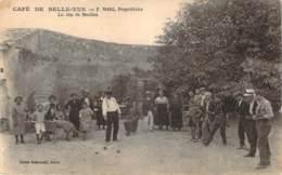 84 - Villeneuve-Avignon Bellevue - Café De Belle-Vue, F. Marc Propriétaire, Le Jeu De Boulles (pétanque Jeu De Boules) - France