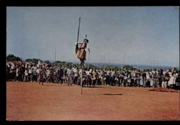 B9694 SIERRA LEONE - PEOPLE FOLKLORE ETHNICS - A LANIBOI DANCER IN ACTION - Sierra Leone