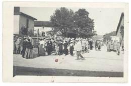 Photo Guerre 1914/1915 -  Soldats Dans Village ( Meuse Ou Meurthe Et Moselle ? ) - Guerre, Militaire