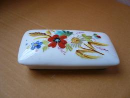 Petite Boîte à Bijoux En Porcelaine De PARIS Avec Couvercle Bombé - Boîtes/Coffrets