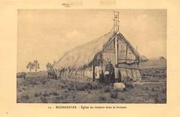 Madagascar - Eglise En Roseaux Dans La Brousse - Madagascar